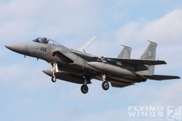 http://flying-wings.com/plugins/content/sige/plugin_sige/showthumb.php?img=/images/airshows/18_Japan/10/Komatsu_F-15-4158_Zeitler.jpg&width=260&height=300&quality=80&ratio=1&crop=0&crop_factor=50&thumbdetail=0