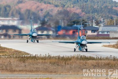 http://flying-wings.com/plugins/content/sige/plugin_sige/showthumb.php?img=/images/airshows/18_Japan/16/Matsushima_F-2B-4569_Zeitler.jpg&width=396&height=300&quality=80&ratio=1&crop=0&crop_factor=50&thumbdetail=0