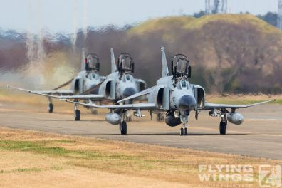 http://flying-wings.com/plugins/content/sige/plugin_sige/showthumb.php?img=/images/airshows/18_Japan/2/Hyakuri_301-7269_Zeitler.jpg&width=396&height=300&quality=80&ratio=1&crop=0&crop_factor=50&thumbdetail=0