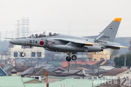 http://flying-wings.com/plugins/content/sige/plugin_sige/showthumb.php?img=/images/airshows/18_Japan/3/Iruma_T-4-7456_Zeitler.jpg&width=260&height=300&quality=80&ratio=1&crop=0&crop_factor=50&thumbdetail=0