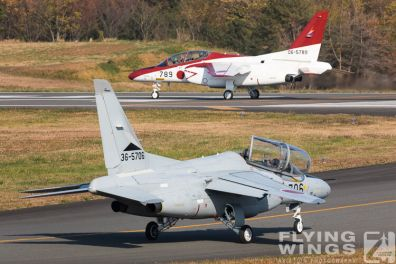 http://flying-wings.com/plugins/content/sige/plugin_sige/showthumb.php?img=/images/airshows/18_Japan/4/Iruma_T-4-3426_Zeitler.jpg&width=396&height=300&quality=80&ratio=1&crop=0&crop_factor=50&thumbdetail=0