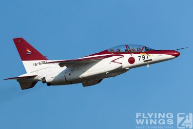 http://flying-wings.com/plugins/content/sige/plugin_sige/showthumb.php?img=/images/airshows/18_Japan/4/Iruma_T-4-7528_Zeitler.jpg&width=396&height=300&quality=80&ratio=1&crop=0&crop_factor=50&thumbdetail=0