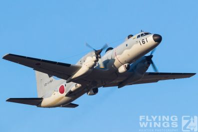 http://flying-wings.com/plugins/content/sige/plugin_sige/showthumb.php?img=/images/airshows/18_Japan/5/Iruma_YS-11-7784_Zeitler.jpg&width=396&height=300&quality=80&ratio=1&crop=0&crop_factor=50&thumbdetail=0