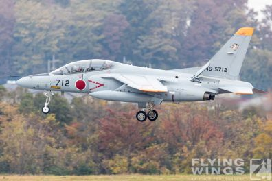 http://flying-wings.com/plugins/content/sige/plugin_sige/showthumb.php?img=/images/airshows/18_Japan/6/Iruma_T-4-7464_Zeitler.jpg&width=396&height=300&quality=80&ratio=1&crop=0&crop_factor=50&thumbdetail=0