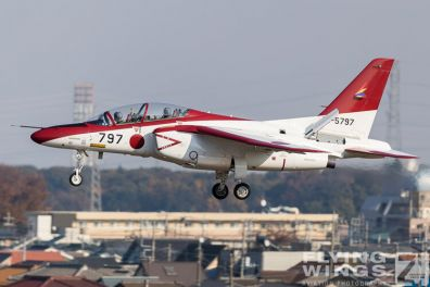 http://flying-wings.com/plugins/content/sige/plugin_sige/showthumb.php?img=/images/airshows/18_Japan/6/Iruma_T-4-7487_Zeitler.jpg&width=396&height=300&quality=80&ratio=1&crop=0&crop_factor=50&thumbdetail=0