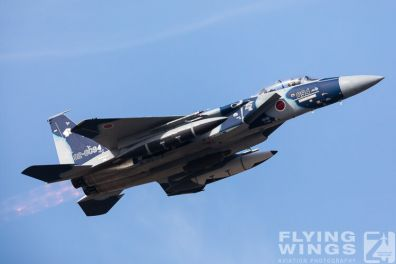 http://flying-wings.com/plugins/content/sige/plugin_sige/showthumb.php?img=/images/airshows/18_Japan/8/Komatsu_Aggressors-3982_Zeitler.jpg&width=396&height=300&quality=80&ratio=1&crop=0&crop_factor=50&thumbdetail=0