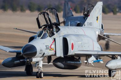 http://flying-wings.com/plugins/content/sige/plugin_sige/showthumb.php?img=/images/airshows/18_Japan/summary/Hyakuri_301-6523_Zeitler.jpg&width=396&height=300&quality=80&ratio=1&crop=0&crop_factor=50&thumbdetail=0