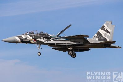 http://flying-wings.com/plugins/content/sige/plugin_sige/showthumb.php?img=/images/airshows/18_Japan/summary/Komatsu_Aggressors-8007_Zeitler.jpg&width=396&height=300&quality=80&ratio=1&crop=0&crop_factor=50&thumbdetail=0
