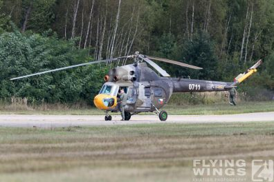 http://flying-wings.com/plugins/content/sige/plugin_sige/showthumb.php?img=/images/airshows/18_Pilsen/helis_4/Pilsen_Helicopters-8332_Zeitler.jpg&width=396&height=300&quality=80&ratio=1&crop=0&crop_factor=50&thumbdetail=0
