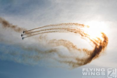 http://flying-wings.com/plugins/content/sige/plugin_sige/showthumb.php?img=/images/airshows/18_bias/Aeroclub2//BIAS_Aerobatics-6427_Zeitler.jpg&width=396&height=300&quality=80&ratio=1&crop=0&crop_factor=50&thumbdetail=0