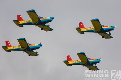 http://flying-wings.com/plugins/content/sige/plugin_sige/showthumb.php?img=/images/airshows/18_bias/Aeroclub2//BIAS_Aeroclub-5748_Zeitler.jpg&width=396&height=300&quality=80&ratio=1&crop=0&crop_factor=50&thumbdetail=0