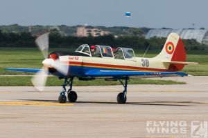 http://flying-wings.com/plugins/content/sige/plugin_sige/showthumb.php?img=/images/airshows/18_bias/RoAF2//BIAS_Yak-52-6238_Zeitler.jpg&width=396&height=300&quality=80&ratio=1&crop=0&crop_factor=50&thumbdetail=0