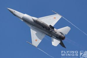 http://flying-wings.com/plugins/content/sige/plugin_sige/showthumb.php?img=/images/airshows/18_bias/gallery//BIAS_F-16-5460_Zeitler.jpg&width=180&height=200&quality=80&ratio=1&crop=0&crop_factor=50&thumbdetail=0