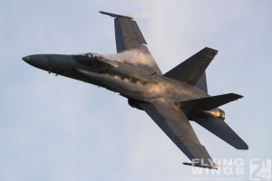 http://flying-wings.com/plugins/content/sige/plugin_sige/showthumb.php?img=/images/airshows/18_bias/gallery//BIAS_Hornet_SpAF-6108_Zeitler.jpg&width=180&height=200&quality=80&ratio=1&crop=0&crop_factor=50&thumbdetail=0