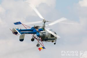 http://flying-wings.com/plugins/content/sige/plugin_sige/showthumb.php?img=/images/airshows/18_bias/gallery//BIAS_Ka-26-6285_Zeitler.jpg&width=180&height=200&quality=80&ratio=1&crop=0&crop_factor=50&thumbdetail=0