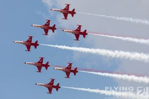 http://flying-wings.com/plugins/content/sige/plugin_sige/showthumb.php?img=/images/airshows/18_bias/gallery//BIAS_Turkish_Stars-5911_Zeitler.jpg&width=180&height=200&quality=80&ratio=1&crop=0&crop_factor=50&thumbdetail=0