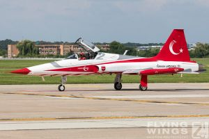 http://flying-wings.com/plugins/content/sige/plugin_sige/showthumb.php?img=/images/airshows/18_bias/gallery//BIAS_Turkish_Stars-6379_Zeitler.jpg&width=180&height=200&quality=80&ratio=1&crop=0&crop_factor=50&thumbdetail=0