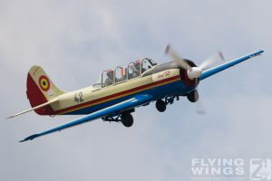 http://flying-wings.com/plugins/content/sige/plugin_sige/showthumb.php?img=/images/airshows/18_bias/gallery//BIAS_Yak-52-5346_Zeitler.jpg&width=180&height=200&quality=80&ratio=1&crop=0&crop_factor=50&thumbdetail=0