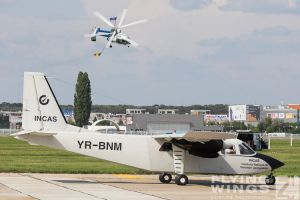 http://flying-wings.com/plugins/content/sige/plugin_sige/showthumb.php?img=/images/airshows/18_bias/so23//BIAS_BN-2-6294_Zeitler.jpg&width=260&height=300&quality=80&ratio=1&crop=0&crop_factor=50&thumbdetail=0