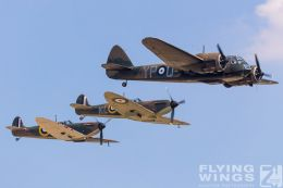 http://flying-wings.com/plugins/content/sige/plugin_sige/showthumb.php?img=/images/airshows/18_duxford/Blenheim6//Duxford_Legends_Formation-1504_Zeitler.jpg&width=260&height=300&quality=80&ratio=1&crop=0&crop_factor=50&thumbdetail=0