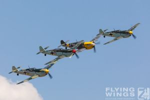 http://flying-wings.com/plugins/content/sige/plugin_sige/showthumb.php?img=/images/airshows/18_duxford/Buchons2//Duxford_Legends_Buchon_Formation-3150_Zeitler.jpg&width=396&height=300&quality=80&ratio=1&crop=0&crop_factor=50&thumbdetail=0