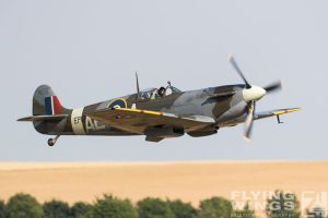 http://flying-wings.com/plugins/content/sige/plugin_sige/showthumb.php?img=/images/airshows/18_duxford/Bulls2//Duxford_Legends_Balbo-2224_Zeitler.jpg&width=260&height=400&quality=80&ratio=1&crop=0&crop_factor=50&thumbdetail=0