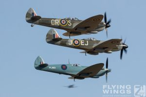 http://flying-wings.com/plugins/content/sige/plugin_sige/showthumb.php?img=/images/airshows/18_duxford/Bulls2//Duxford_Legends_Balbo-2318_Zeitler.jpg&width=260&height=400&quality=80&ratio=1&crop=0&crop_factor=50&thumbdetail=0