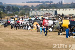 http://flying-wings.com/plugins/content/sige/plugin_sige/showthumb.php?img=/images/airshows/18_duxford/Bulls2//Duxford_Legends_Duxford-2135_Zeitler.jpg&width=260&height=400&quality=80&ratio=1&crop=0&crop_factor=50&thumbdetail=0