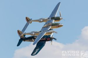http://flying-wings.com/plugins/content/sige/plugin_sige/showthumb.php?img=/images/airshows/18_duxford/Bulls2//Duxford_Legends_Flying_Bulls-2152_Zeitler.jpg&width=260&height=400&quality=80&ratio=1&crop=0&crop_factor=50&thumbdetail=0