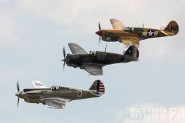 http://flying-wings.com/plugins/content/sige/plugin_sige/showthumb.php?img=/images/airshows/18_duxford/Curtiss3/Duxford_Legends_Curitss_Hawks-1831_Zeitler.jpg&width=260&height=300&quality=80&ratio=1&crop=0&crop_factor=50&thumbdetail=0