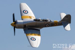 http://flying-wings.com/plugins/content/sige/plugin_sige/showthumb.php?img=/images/airshows/18_duxford/Curtiss3/Duxford_Legends_Doppelsitzer-1431_Zeitler.jpg&width=260&height=300&quality=80&ratio=1&crop=0&crop_factor=50&thumbdetail=0