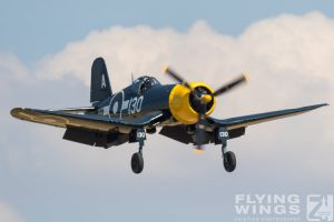 http://flying-wings.com/plugins/content/sige/plugin_sige/showthumb.php?img=/images/airshows/18_duxford/Gallery//Duxford_Legends_Bearcat_Corsair-1230_Zeitler.jpg&width=180&height=200&quality=80&ratio=1&crop=0&crop_factor=50&thumbdetail=0