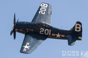 http://flying-wings.com/plugins/content/sige/plugin_sige/showthumb.php?img=/images/airshows/18_duxford/Gallery//Duxford_Legends_Bearcat_Corsair-1254_Zeitler.jpg&width=180&height=200&quality=80&ratio=1&crop=0&crop_factor=50&thumbdetail=0