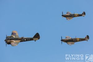 http://flying-wings.com/plugins/content/sige/plugin_sige/showthumb.php?img=/images/airshows/18_duxford/Gallery//Duxford_Legends_Formation-3105_Zeitler.jpg&width=180&height=200&quality=80&ratio=1&crop=0&crop_factor=50&thumbdetail=0