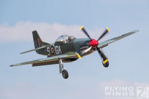 http://flying-wings.com/plugins/content/sige/plugin_sige/showthumb.php?img=/images/airshows/18_duxford/Gallery//Duxford_Legends_P-51-1960_Zeitler.jpg&width=180&height=200&quality=80&ratio=1&crop=0&crop_factor=50&thumbdetail=0