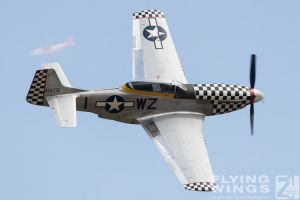 http://flying-wings.com/plugins/content/sige/plugin_sige/showthumb.php?img=/images/airshows/18_duxford/Gallery//Duxford_Legends_P-51-9969_Zeitler.jpg&width=180&height=200&quality=80&ratio=1&crop=0&crop_factor=50&thumbdetail=0