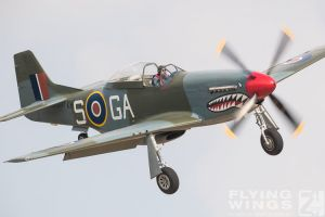 http://flying-wings.com/plugins/content/sige/plugin_sige/showthumb.php?img=/images/airshows/18_duxford/Gallery//Duxford_Legends_P-51-9981_Zeitler.jpg&width=180&height=200&quality=80&ratio=1&crop=0&crop_factor=50&thumbdetail=0