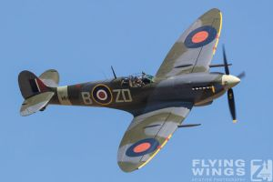 http://flying-wings.com/plugins/content/sige/plugin_sige/showthumb.php?img=/images/airshows/18_duxford/Gallery//Duxford_Legends_Spitfire-1735_Zeitler.jpg&width=180&height=200&quality=80&ratio=1&crop=0&crop_factor=50&thumbdetail=0