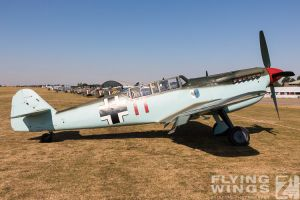 http://flying-wings.com/plugins/content/sige/plugin_sige/showthumb.php?img=/images/airshows/18_duxford/Gallery//Duxford_Legends_Static-2904_Zeitler.jpg&width=180&height=200&quality=80&ratio=1&crop=0&crop_factor=50&thumbdetail=0