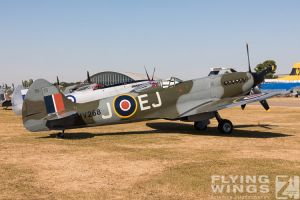 http://flying-wings.com/plugins/content/sige/plugin_sige/showthumb.php?img=/images/airshows/18_duxford/Gallery//Duxford_Legends_Static-2933_Zeitler.jpg&width=180&height=200&quality=80&ratio=1&crop=0&crop_factor=50&thumbdetail=0