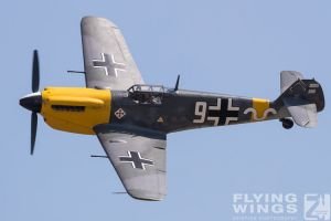 http://flying-wings.com/plugins/content/sige/plugin_sige/showthumb.php?img=/images/airshows/18_duxford/Gallery//Duxford_Legends_White_9-1599_Zeitler.jpg&width=180&height=200&quality=80&ratio=1&crop=0&crop_factor=50&thumbdetail=0
