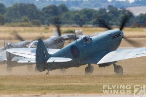 http://flying-wings.com/plugins/content/sige/plugin_sige/showthumb.php?img=/images/airshows/18_duxford/Spitfires3//Duxford_Legends_Spitfires-1099_Zeitler.jpg&width=260&height=300&quality=80&ratio=1&crop=0&crop_factor=50&thumbdetail=0