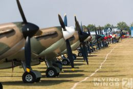 http://flying-wings.com/plugins/content/sige/plugin_sige/showthumb.php?img=/images/airshows/18_duxford/Spitfires3//Duxford_Legends_Static-8948_Zeitler.jpg&width=260&height=300&quality=80&ratio=1&crop=0&crop_factor=50&thumbdetail=0