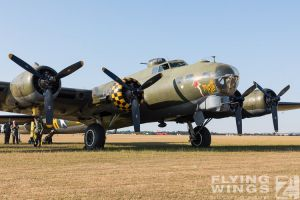 http://flying-wings.com/plugins/content/sige/plugin_sige/showthumb.php?img=/images/airshows/18_duxford/USAAF2//Duxford_Legends_Static-2703_Zeitler.jpg&width=396&height=300&quality=80&ratio=1&crop=0&crop_factor=50&thumbdetail=0