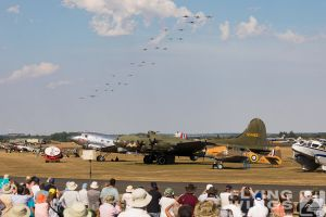 http://flying-wings.com/plugins/content/sige/plugin_sige/showthumb.php?img=/images/airshows/18_duxford/intro2//Duxford_Legends_Balbo-3244_Zeitler.jpg&width=396&height=300&quality=80&ratio=1&crop=0&crop_factor=50&thumbdetail=0