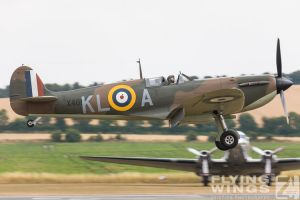http://flying-wings.com/plugins/content/sige/plugin_sige/showthumb.php?img=/images/airshows/18_duxford/so23//Duxford_Legends_Spitfire-1883_Zeitler.jpg&width=260&height=300&quality=80&ratio=1&crop=0&crop_factor=50&thumbdetail=0