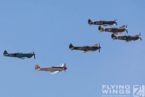 http://flying-wings.com/plugins/content/sige/plugin_sige/showthumb.php?img=/images/airshows/18_duxford/so23//Duxford_Legends_Spitfires-3019_Zeitler.jpg&width=260&height=300&quality=80&ratio=1&crop=0&crop_factor=50&thumbdetail=0