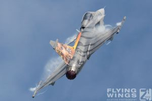 http://flying-wings.com/plugins/content/sige/plugin_sige/showthumb.php?img=/images/airshows/18_siaf/Czech_Gripen/SIAF_Gripen_Czech-8074_Zeitler.jpg&width=260&height=300&quality=80&ratio=1&crop=0&crop_factor=50&thumbdetail=0