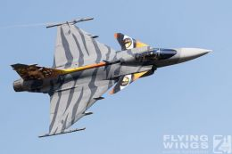 http://flying-wings.com/plugins/content/sige/plugin_sige/showthumb.php?img=/images/airshows/18_siaf/Czech_Gripen/SIAF_Gripen_Czech-8099_Zeitler.jpg&width=260&height=300&quality=80&ratio=1&crop=0&crop_factor=50&thumbdetail=0
