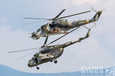 http://flying-wings.com/plugins/content/sige/plugin_sige/showthumb.php?img=/images/airshows/18_siaf/Czech_Heli/SIAF_Mi-24_Mi-17_Czech-8238_Zeitler.jpg&width=396&height=300&quality=80&ratio=1&crop=0&crop_factor=50&thumbdetail=0